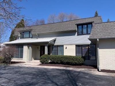 Milwaukee County Single Family Home For Sale: 9402 N Fairway Cir