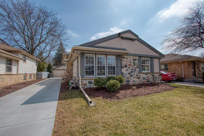 Single Family Home Active Contingent With Offer: 9833 W Grantosa Dr