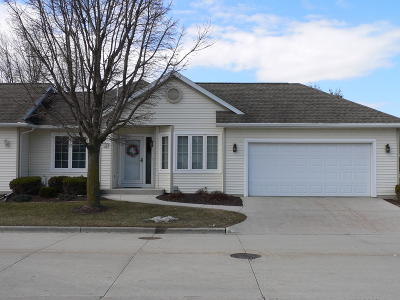 Sheboygan Condo/Townhouse Active Contingent With Offer: 1657 Settlement Trl