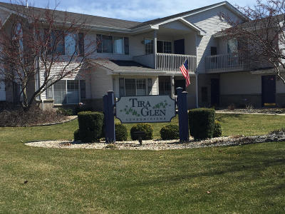 Kenosha Condo/Townhouse Active Contingent With Offer: 3307 85th St #E