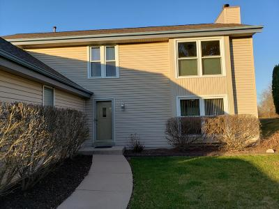 Mukwonago Single Family Home Active Contingent With Offer: 1281 River Park Cir E