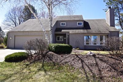Single Family Home For Sale: 7053 Heathmeadow Ct