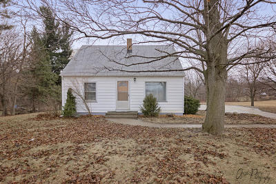 Pleasant Prairie Single Family Home For Sale: 3715 104th St
