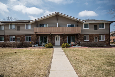 Germantown Condo/Townhouse Active Contingent With Offer: W158n11141 Legend Ave #1