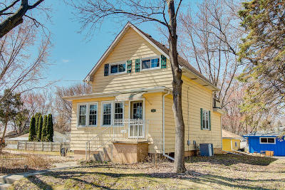 Hartford Single Family Home Active Contingent With Offer: 437 S Rural St