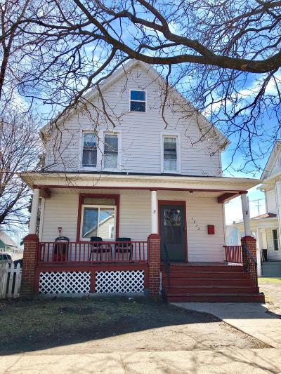 Kenosha Single Family Home For Sale: 1913 62nd St