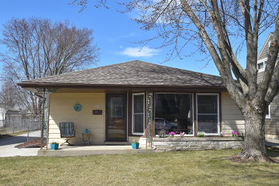 Milwaukee Single Family Home Active Contingent With Offer: 3615 N 97th St