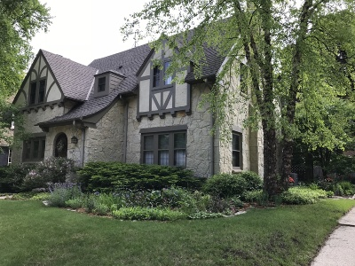 Milwaukee County Single Family Home Active Contingent With Offer: 4462 N Frederick Ave
