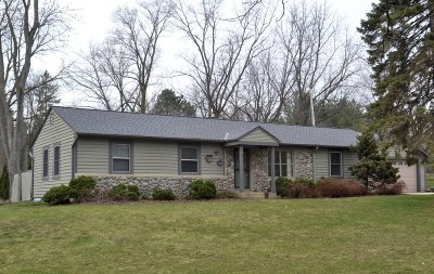 Brookfield Single Family Home Active Contingent With Offer: 16525 Gebhardt Rd
