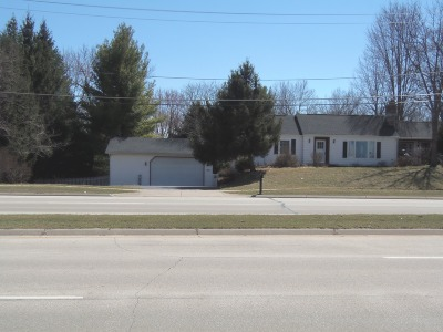 Waukesha County Single Family Home For Sale: 20035 W Greenfield Ave