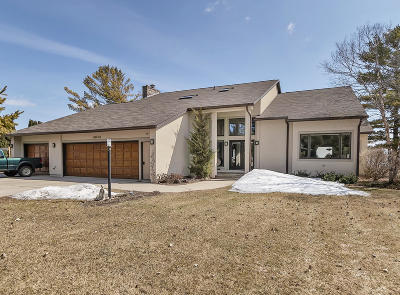 Menominee Single Family Home For Sale: 4104 Michigan Shores Dr.