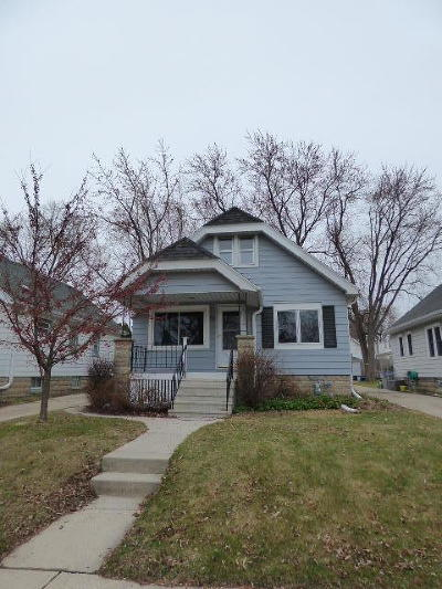 Milwaukee Single Family Home Active Contingent With Offer: 227 E Van Beck Ave