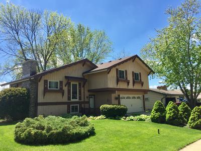 Oak Creek Single Family Home For Sale: 305 E Parkway Estates Dr