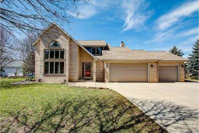 Lake Geneva Single Family Home Active Contingent With Offer: N1580 Clover Rd