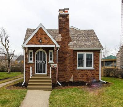 Kenosha Single Family Home Active Contingent With Offer: 7827 28th Ave