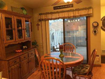 Muskego Condo/Townhouse Active Contingent With Offer: W181 Pioneer Dr #S8244