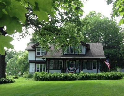 Nashotah Single Family Home For Sale: W330n4113 Lakeland Dr