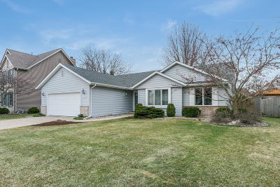 Kenosha Single Family Home Active Contingent With Offer: 1829 12th Pl