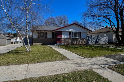 Milwaukee Single Family Home Active Contingent With Offer: 2852 S Austin St