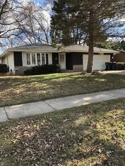 Oak Creek Single Family Home For Sale: 1211 W Willow Dr