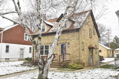 Milwaukee Single Family Home Active Contingent With Offer: 4638 N 42nd St