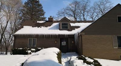 Ozaukee County Single Family Home For Sale: 1690 Aqua View Ct