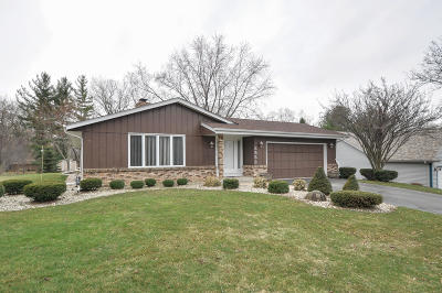 Racine Single Family Home For Sale: 3553 River Bend Dr