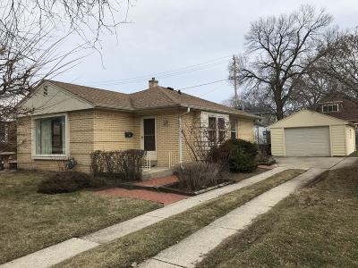 Single Family Home For Sale: 614 Robertson St
