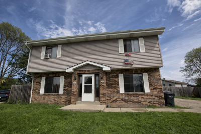 South Milwaukee Two Family Home Active Contingent With Offer: 2807 Tomarza Ct #2809