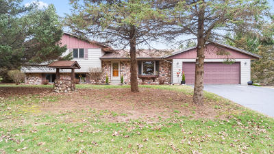 Town Richfield, Village Richfield, Hubertus, Colgate Single Family Home Active Contingent With Offer: 575 Amy Belle Rd