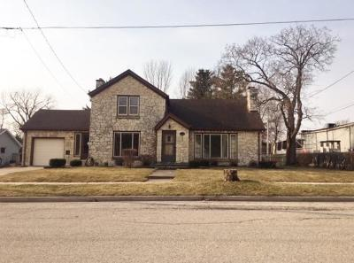Mukwonago Single Family Home Active Contingent With Offer: 207 Field St