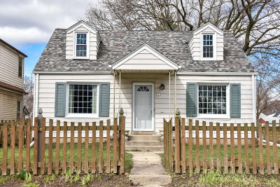 Single Family Home Active Contingent With Offer: 125 N 71st St
