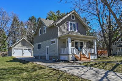 Oconomowoc Single Family Home Active Contingent With Offer: 212 Pine St