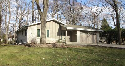 West Bend Single Family Home Active Contingent With Offer: 137 Concord Ln