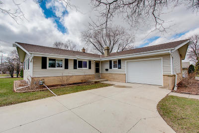 Single Family Home For Sale: 5175 Maplewood Dr