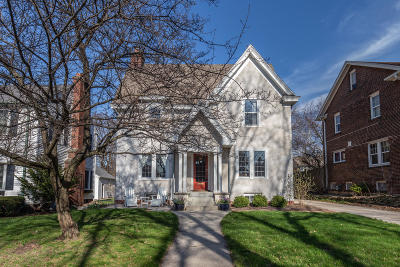 Milwaukee Single Family Home For Sale: 3472 N Frederick Ave