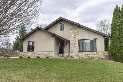 Muskego Single Family Home Active Contingent With Offer: S76w20201 Ridge Rd