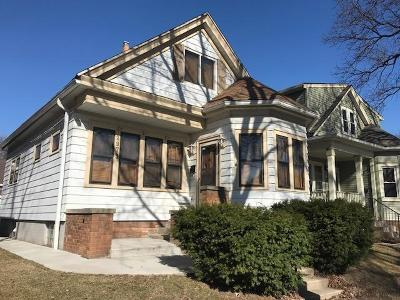 Milwaukee Single Family Home Active Contingent With Offer: 2973 S California St