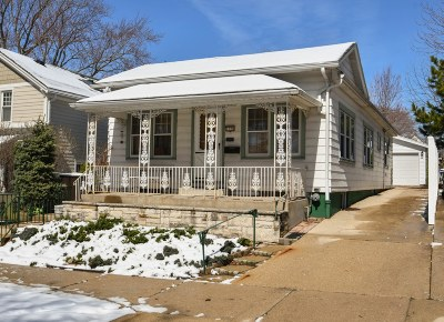 Milwaukee Single Family Home For Sale: 1728 E Iron St
