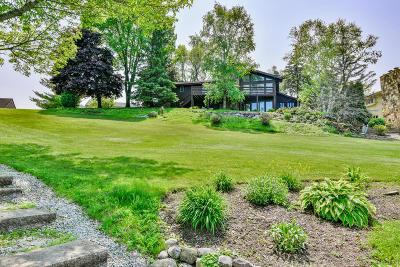 Waukesha County Single Family Home For Sale: S76w12920 Cambridge W