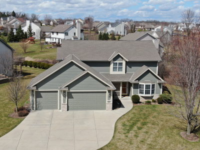 Menomonee Falls Single Family Home Active Contingent With Offer: N61w12704 River Heights Dr