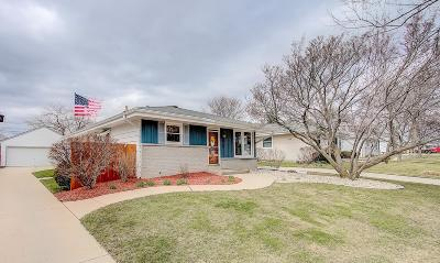 Single Family Home Active Contingent With Offer: 3737 S 94th St