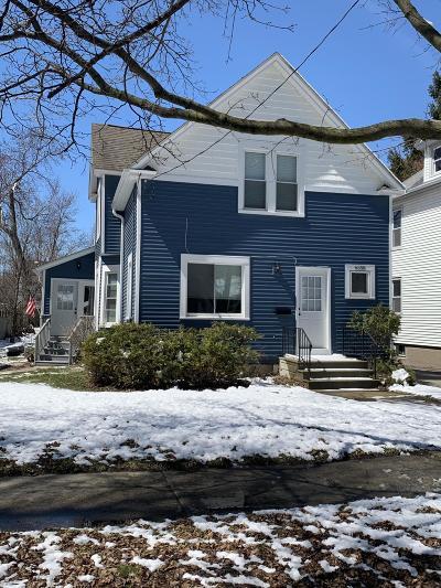 Kenosha Single Family Home For Sale: 6558 5th Ave