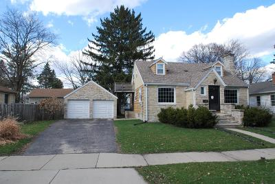 Oconomowoc Single Family Home For Sale: 342 3rd St