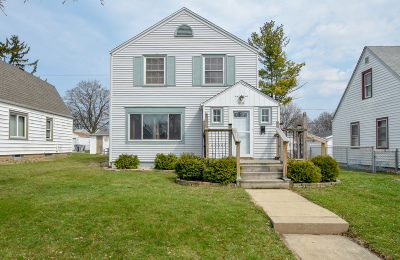 Single Family Home Active Contingent With Offer: 3744 S 20th Pl