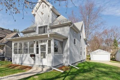 Single Family Home For Sale: 107 S Finch St