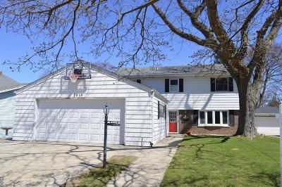 Kenosha Single Family Home For Sale: 7515 18th Ave