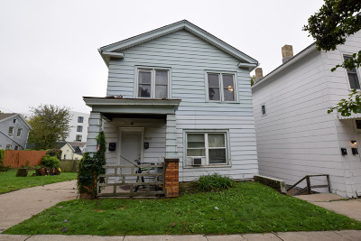Milwaukee WI Two Family Home For Sale: $225,000