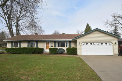 Menomonee Falls Single Family Home Active Contingent With Offer: W172n9281 Shady Ln