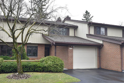 Ozaukee County Condo/Townhouse Active Contingent With Offer: 12806 N Colony Dr